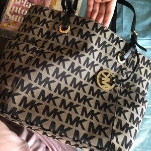 Michael Kors Cloth Jet Set Handbag